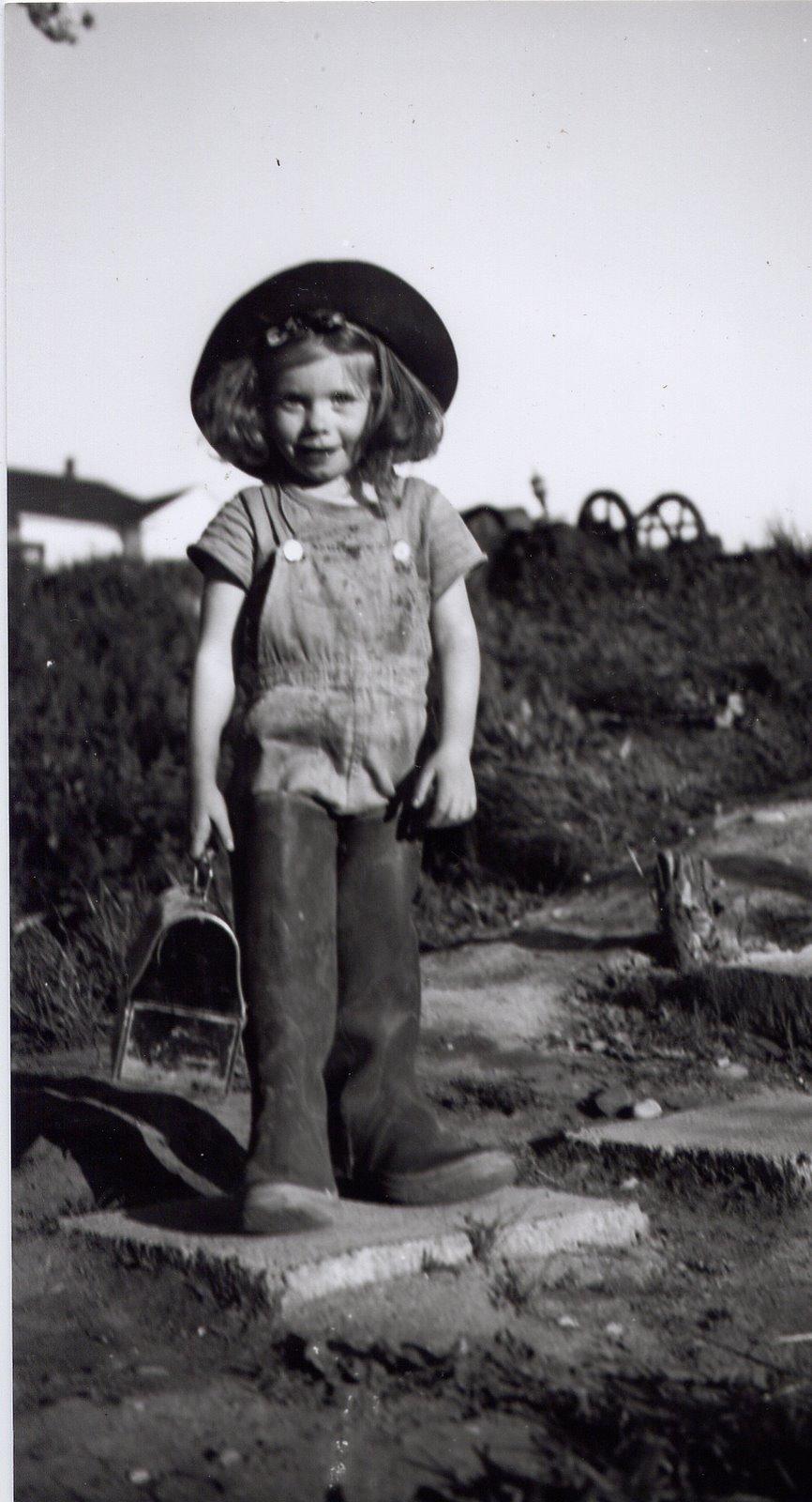 [1946+Bonnie+in+Dad]
