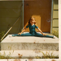 Cheri doing splits 6 years old