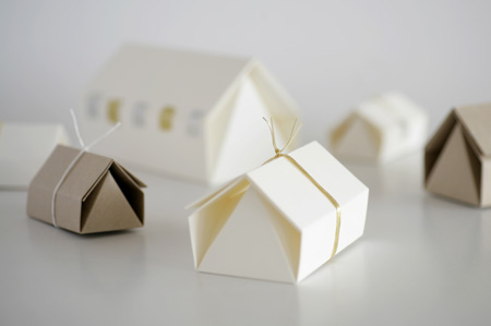 T O O K A House Shape Gift Box