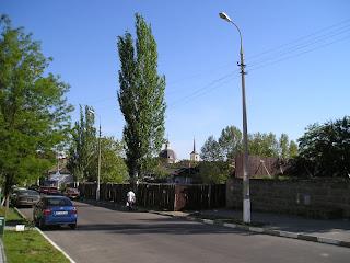 Вид в р-не ул Суворова, 15 мая 2007
