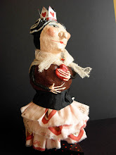 Queen of Hearts, papier mache