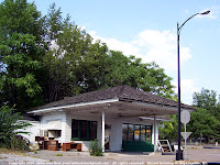 Old gas station in Hopkinsville, KY