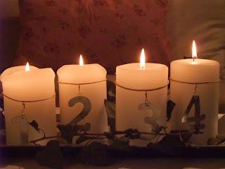 stines hverdag vi tenner fire lys i kveld. Black Bedroom Furniture Sets. Home Design Ideas