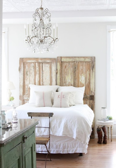Down and Out Chic: Interiors: Cozy Country Chic Bedrooms