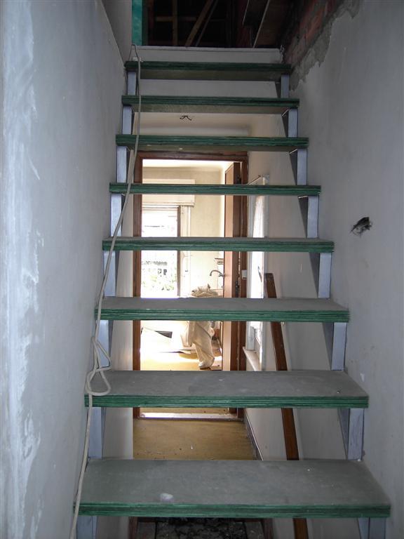 Zoldertrap vast of uittrekbaar bouwinfo for Zoldertrap steken