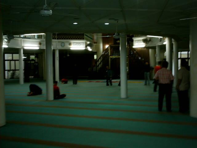 [Masjid+Ruang+Shalat.JPG]