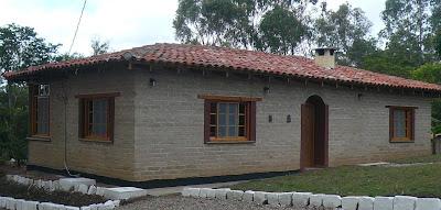 Adobes estabilizados adb concreto en honduras for Fachadas de casas modernas en honduras