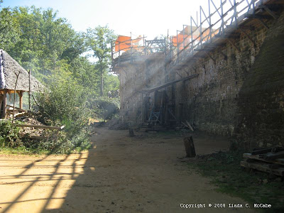 Legends of Medieval France and Italy: Guédelon, constructing