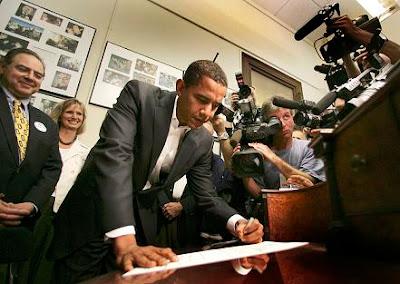 Obama-Left Handed