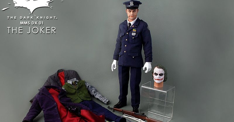 Hot Toys Joker Cop 16