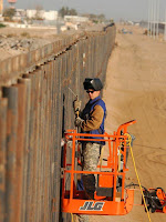 laws to build border fence