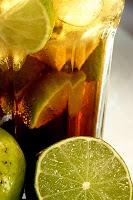 Coca Cola com gelo e limão