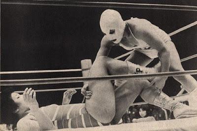 Nancy Kumi wrestling Mariko Akagi in Japan