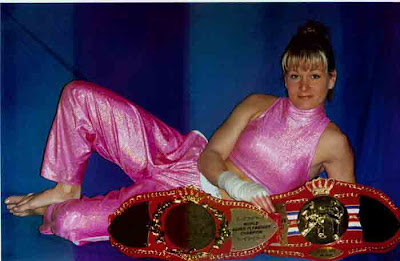 MMA: Chantal Nadon
