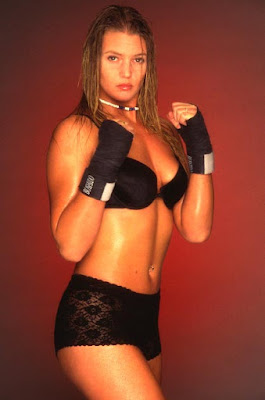 female mixed martial arts, top mma fighters, female mma fight