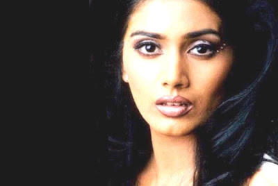 Indian Actress - Sonali Kulkarni