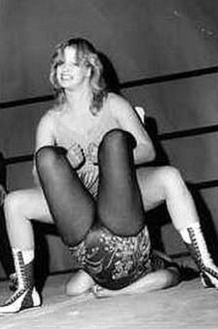 Womens Wrestler - Desiree Petersen