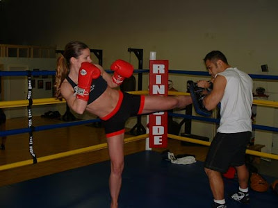 female mixed martial arts, top mma fighters, female mma fight, female mma