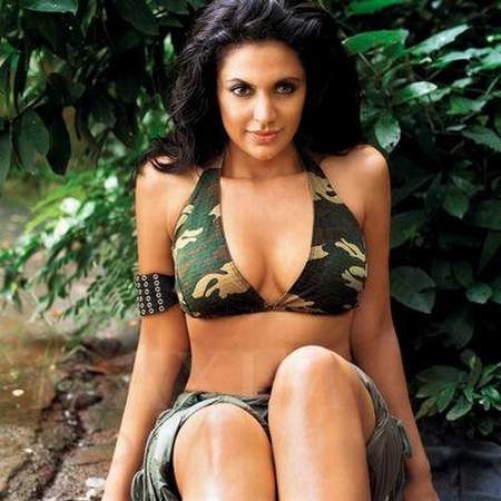 Mandira Bedi - Bollywood Women