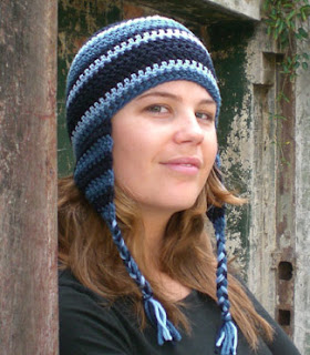 609275e5759 A pattern to crochet an ear-flap beanie with stripes
