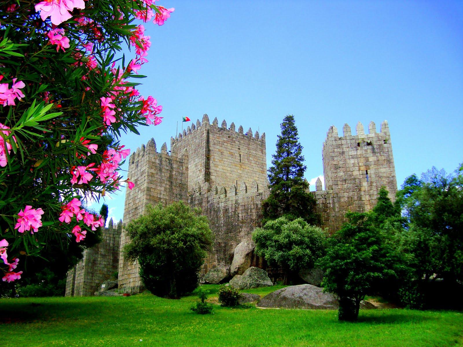 castles in europe  guimaraes