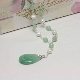 Freshwater Pearl Jade Teardrop Gemstone Necklace (N045)