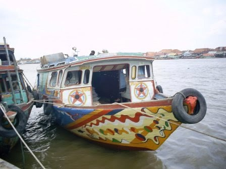 Palembang Daily Photo: Profile Angkutan Sungai (Tongkang)