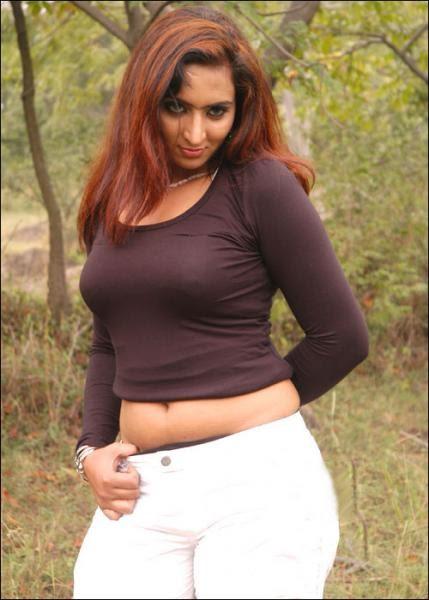 SOUTH INDIAN HALF SAREE GIRLS: SADHA PHOTOS