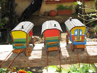 Provence cr ches les roulottes de gitans - Roulotte ancienne gitane ...
