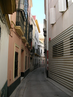 narrow Sevillan street