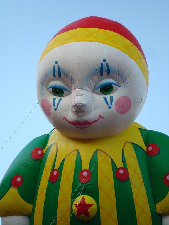 [balloon.JPG]