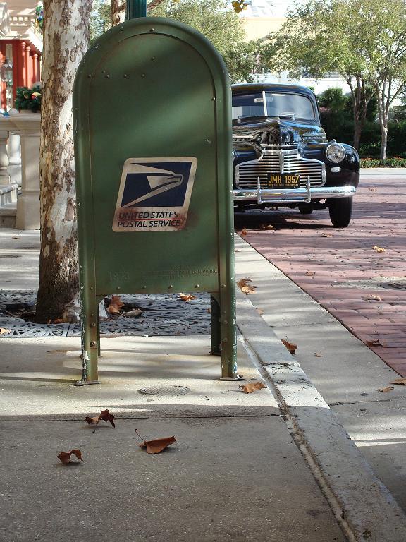[mailbox.JPG]