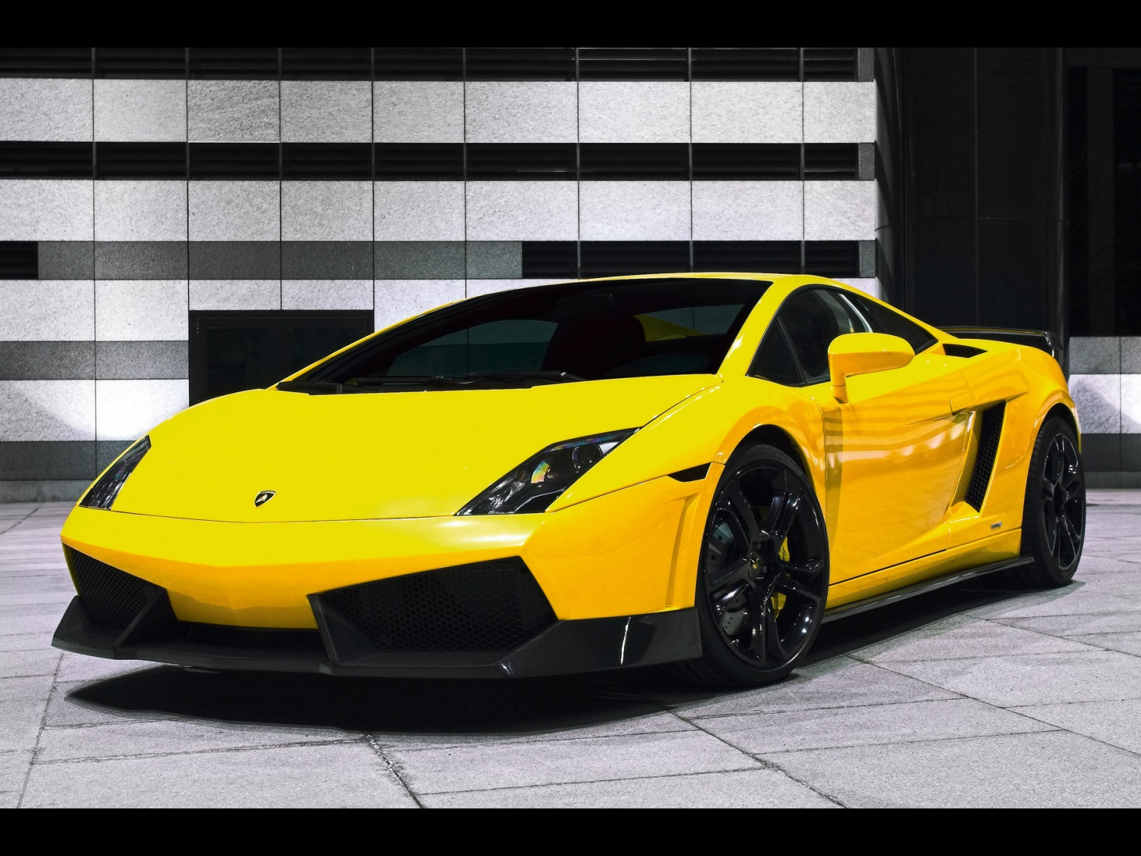 Wallpapers Box  ...Yellow Lamborghini Gallardo Wallpaper