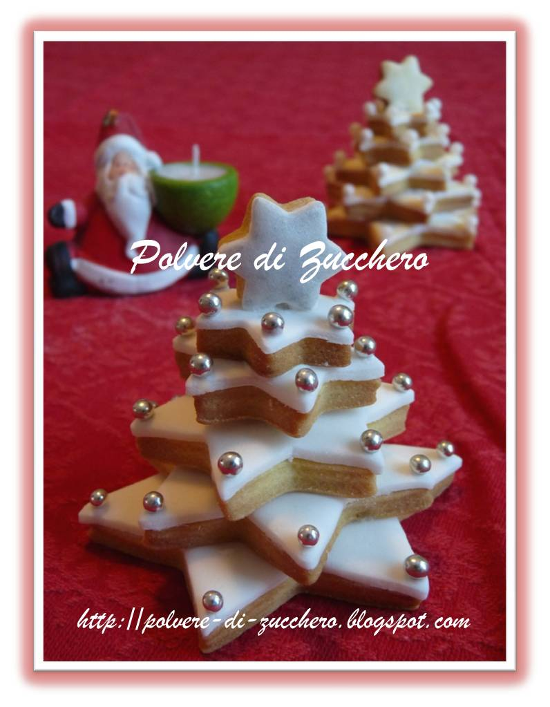 Segnaposto Natalizi Pasta Di Zucchero.Albero Di Natale In Pasta Frolla Un Dolce Regalo Un Simpatico