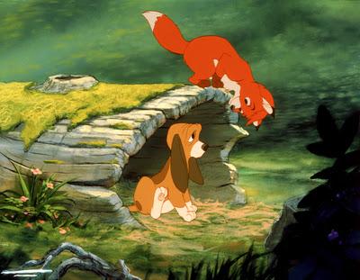 Rox et Rouky [Walt Disney - 1980] Rox+un_tronc_pour_deux_jpg