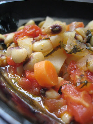 Pilaki is a general name for a group of dishes that are cooked in tomato sauce with onion Black-Eyed Pea Pilaki (Börülce Pilaki)