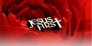 "Brinde Grátis – PIN ""Jesus First"""