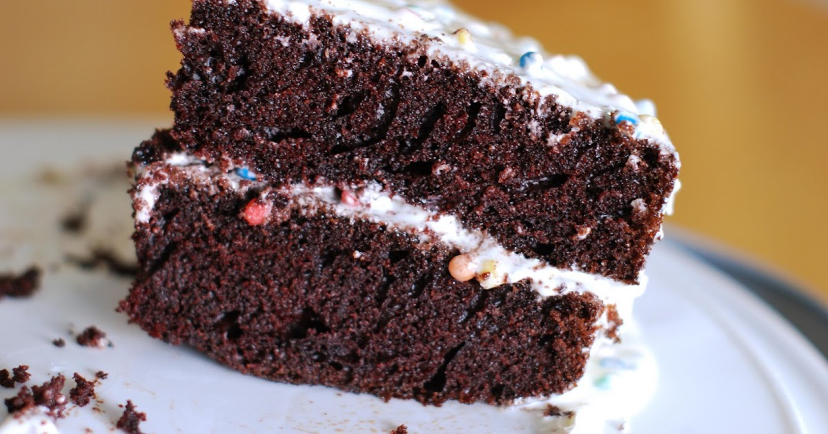 Tricia's Kitchen: Seriously Moist Chocolate Cake