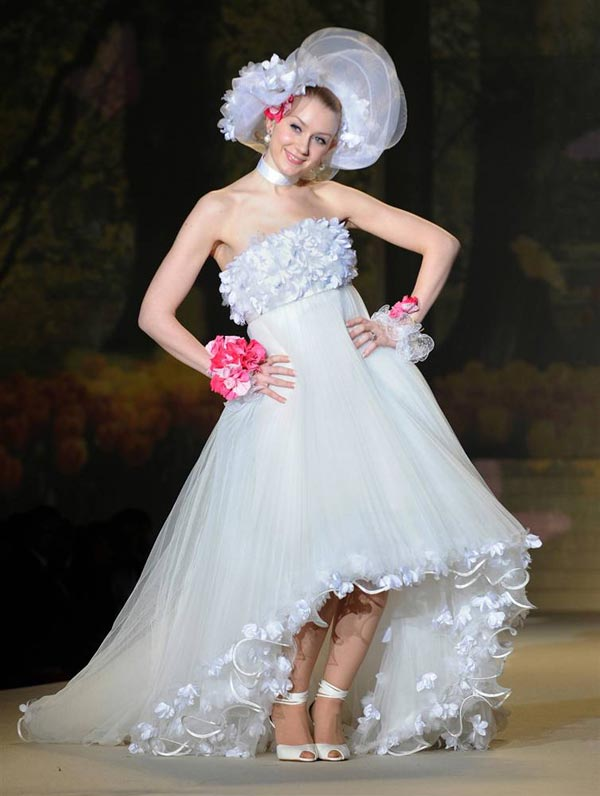 Damn Fresh Pics World S Most Crazy Bridal Gowns