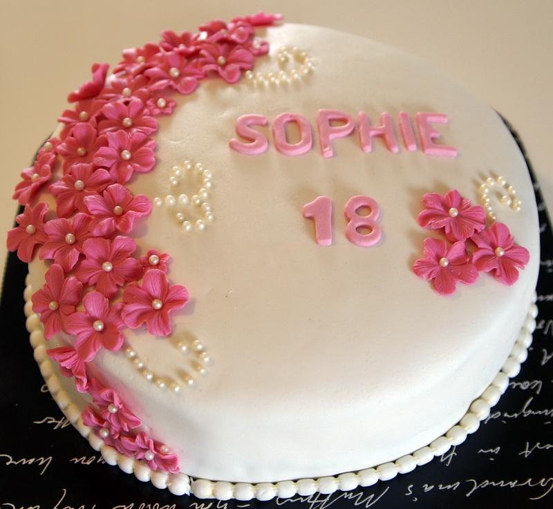 födelsedagstårta 18 år Ankanskondis: Sophie 18 år, tårta nr 1 (av 3) födelsedagstårta 18 år