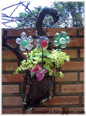Flores de Garrafa PET na rua
