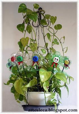 Flores de Garrafa PET em vaso