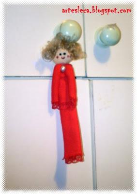 Boneca Vermelha de Guardanapo de Pano
