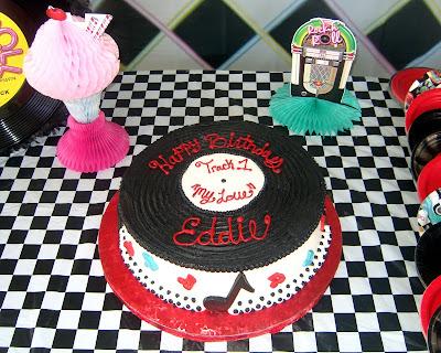 ES TREATS 50s RECORD CAKE