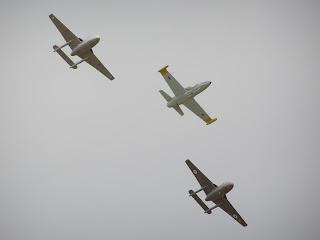 L39 Albatross and De Havilland DH 115 Vampire formation