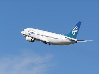 Air New Zealand B737 takeoff