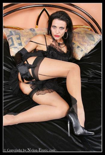 Nylon Erotic 54