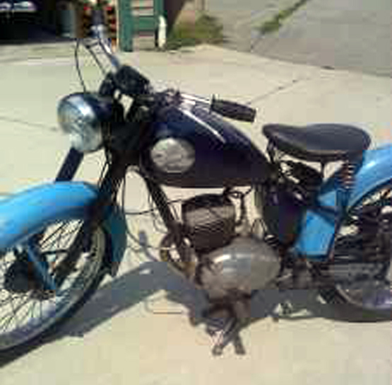 RoyalEnfields.com: Descended From The Royal Enfield Flying