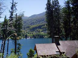 Vista del lago desde Bahía Manzano, Villa La Angostura, Neuquén