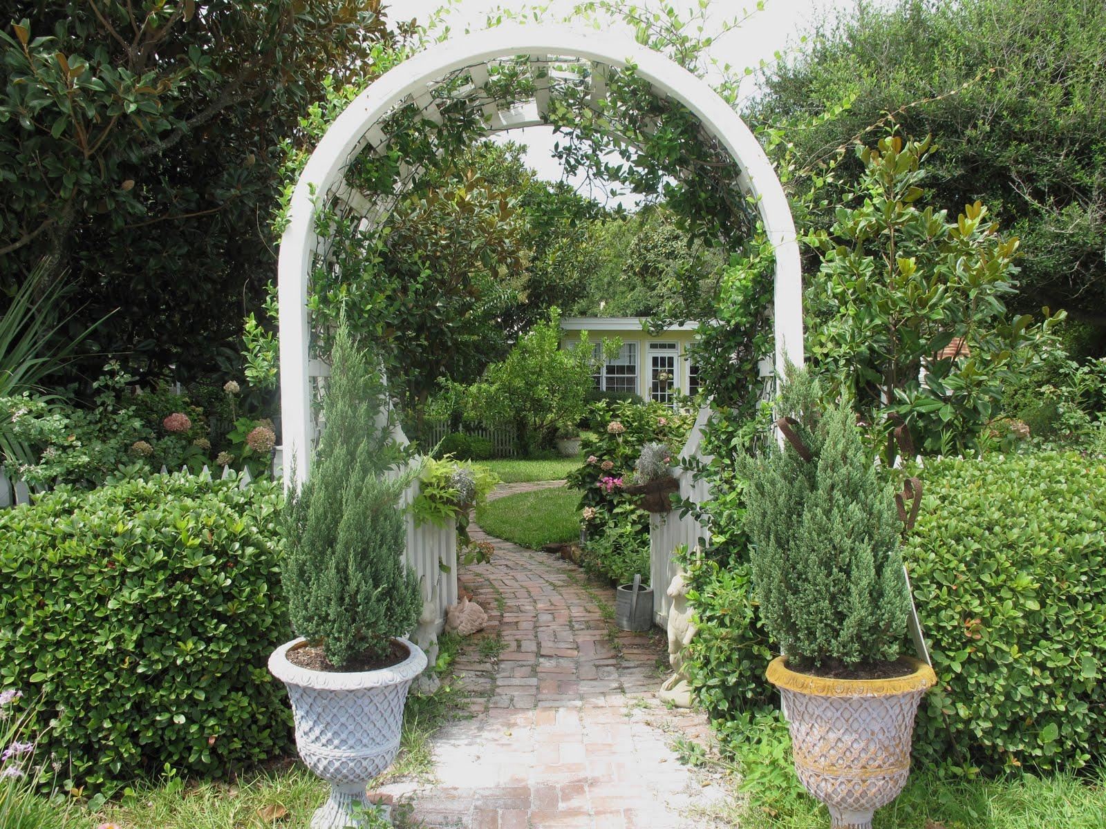 Cottage Gardens: Italian Girl In Georgia: Cottage Garden Inspiration